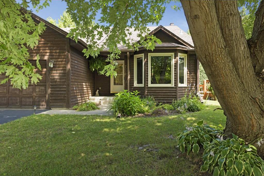 7000 Sandy Hook Circle, Chanhassen, MN 55317