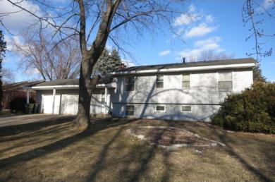 10227 NW Raven Street, Coon Rapids, MN 55433