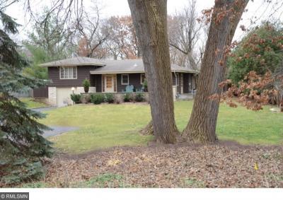 Photo of 4319 S Cedar Lake Road, Saint Louis Park, MN 55416