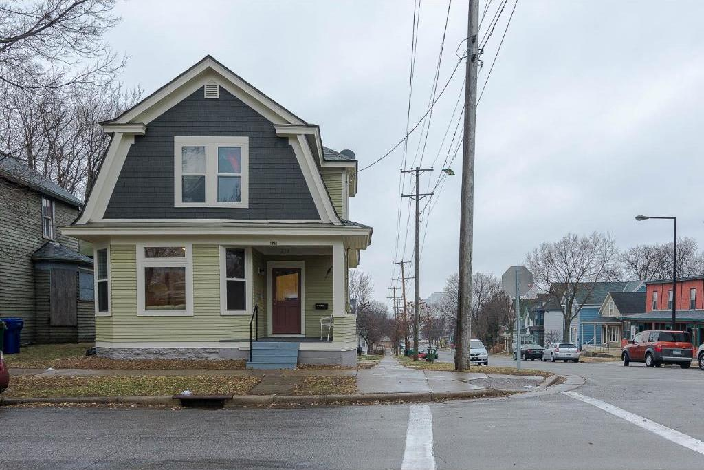 279 Bates Avenue, Saint Paul, MN 55106