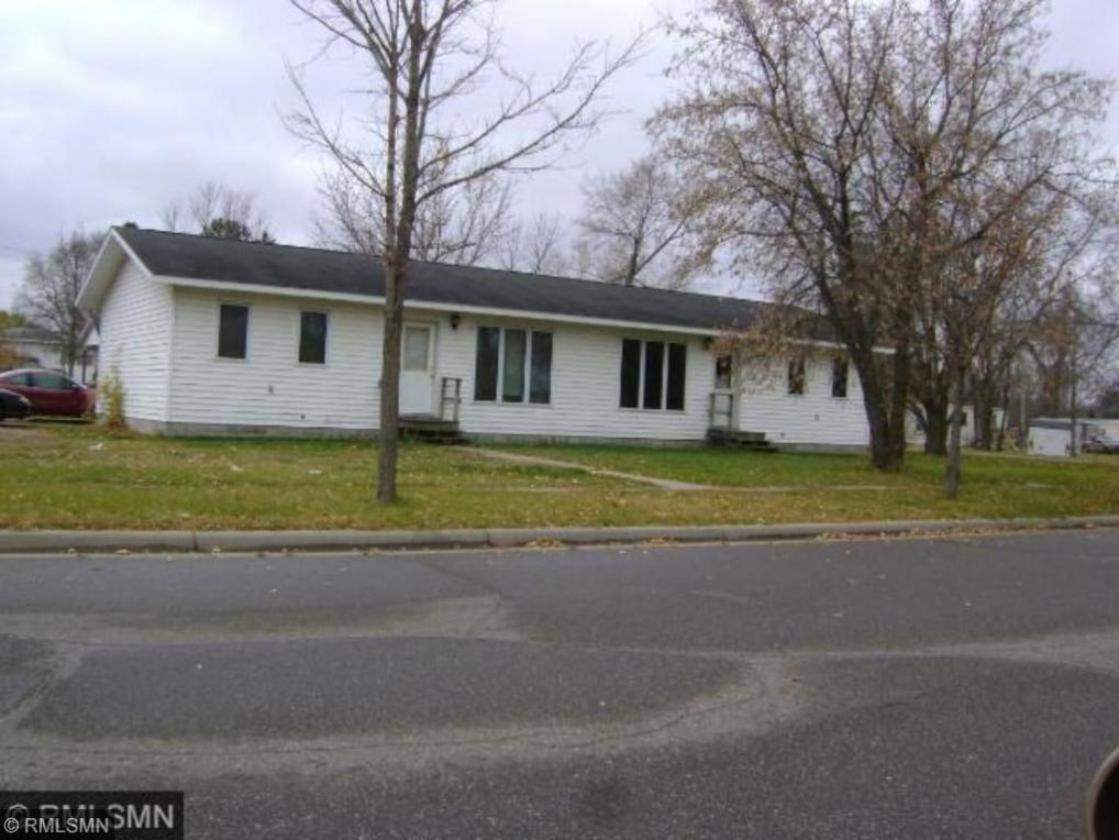 402 SE Dakota Avenue, Staples, MN 56479