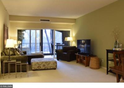 Photo of 1201 Yale Place #201, Minneapolis, MN 55403