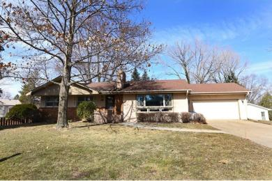 961 Cobb Road, Shoreview, MN 55126