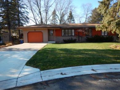 924 Evelyn Circle, Northfield, MN 55057