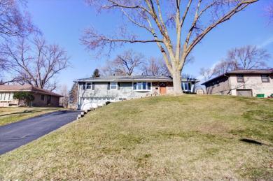 8918 S Beard Avenue, Bloomington, MN 55431