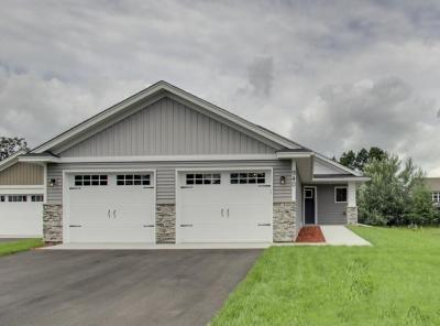 Photo of 940 NW Winsome Way, Isanti, MN 55040