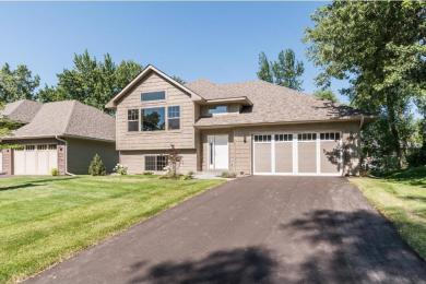 3219 N Florida Avenue, Crystal, MN 55427