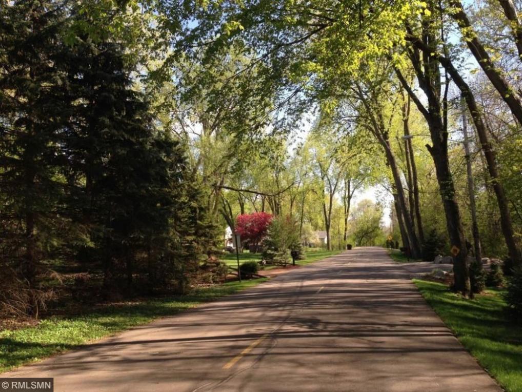 13 Kaiser Avenue, Medicine Lake, MN 55441