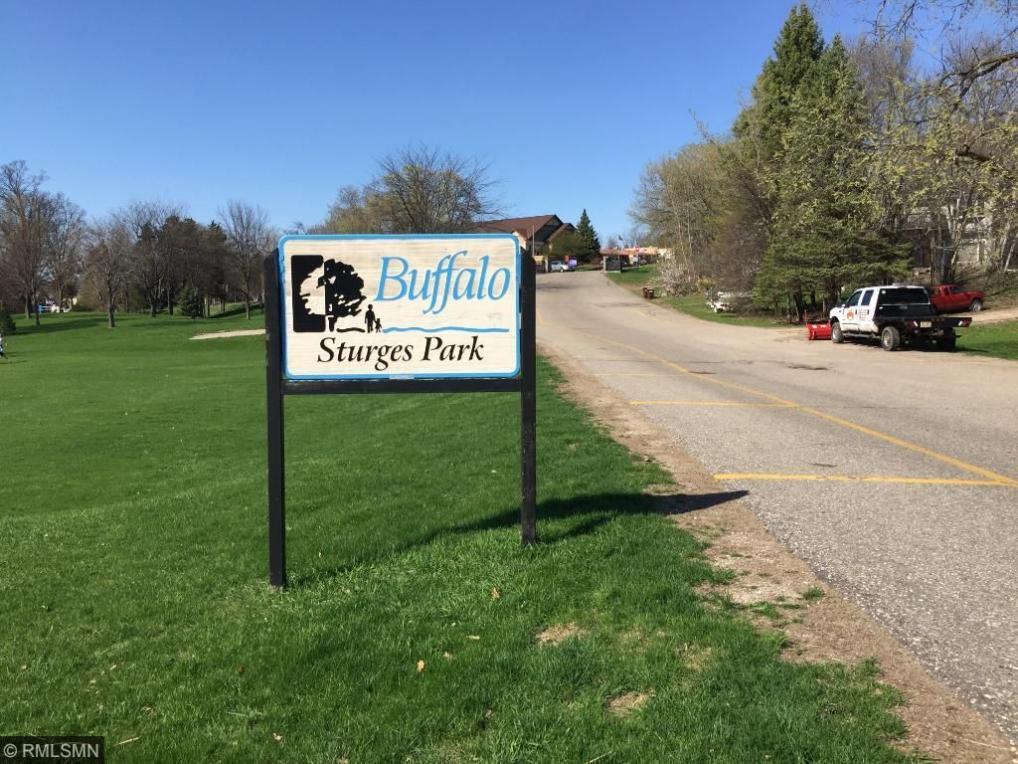 715 Overlook Drive, Buffalo, MN 55313