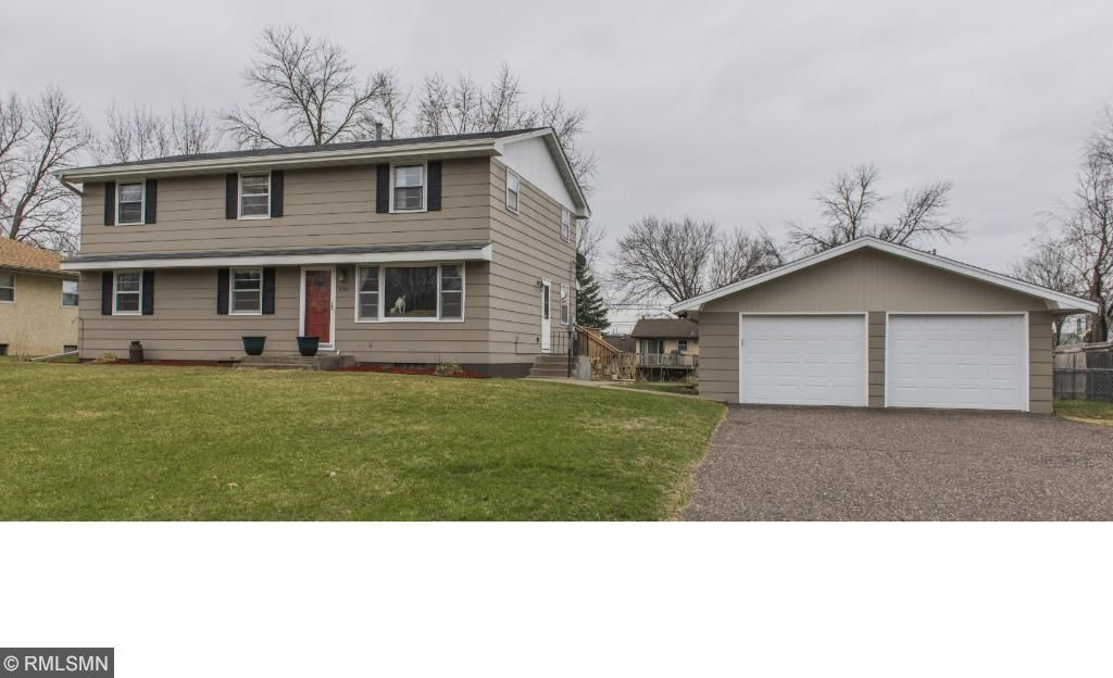 10001 N 93rd Place, Maple Grove, MN 55369