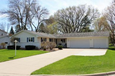 1905 Sibley Court, Burnsville, MN 55337