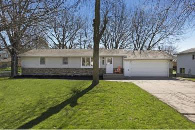 418 S Central Avenue, Norwood Young America, MN 55397