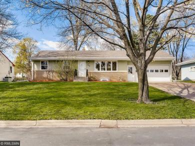 1035 Edgewater Avenue, Shoreview, MN 55126