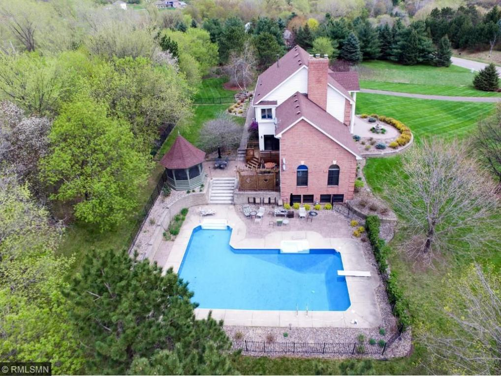 6372 Crackleberry Trail, Woodbury, MN 55129