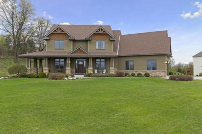 Photo of 1150 Rivage Lane, Burnsville, MN 55306
