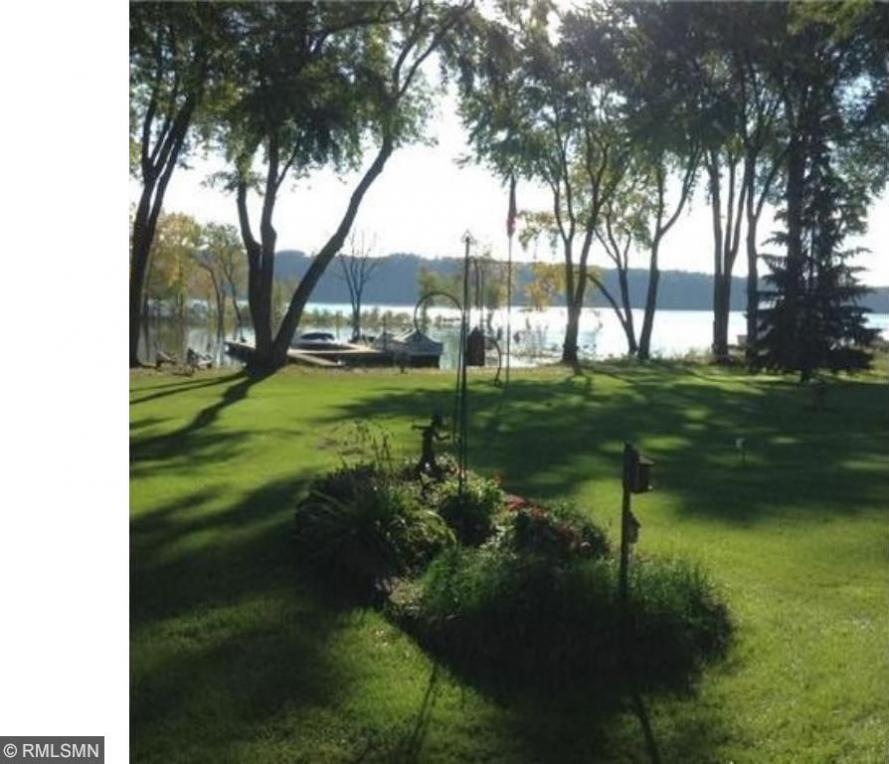 405 S Lakeside Drive, Bayport, MN 55003