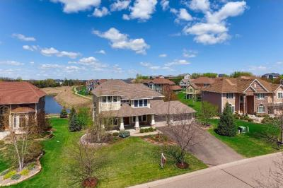 Photo of 10664 Hawthorn Trail, Woodbury, MN 55129