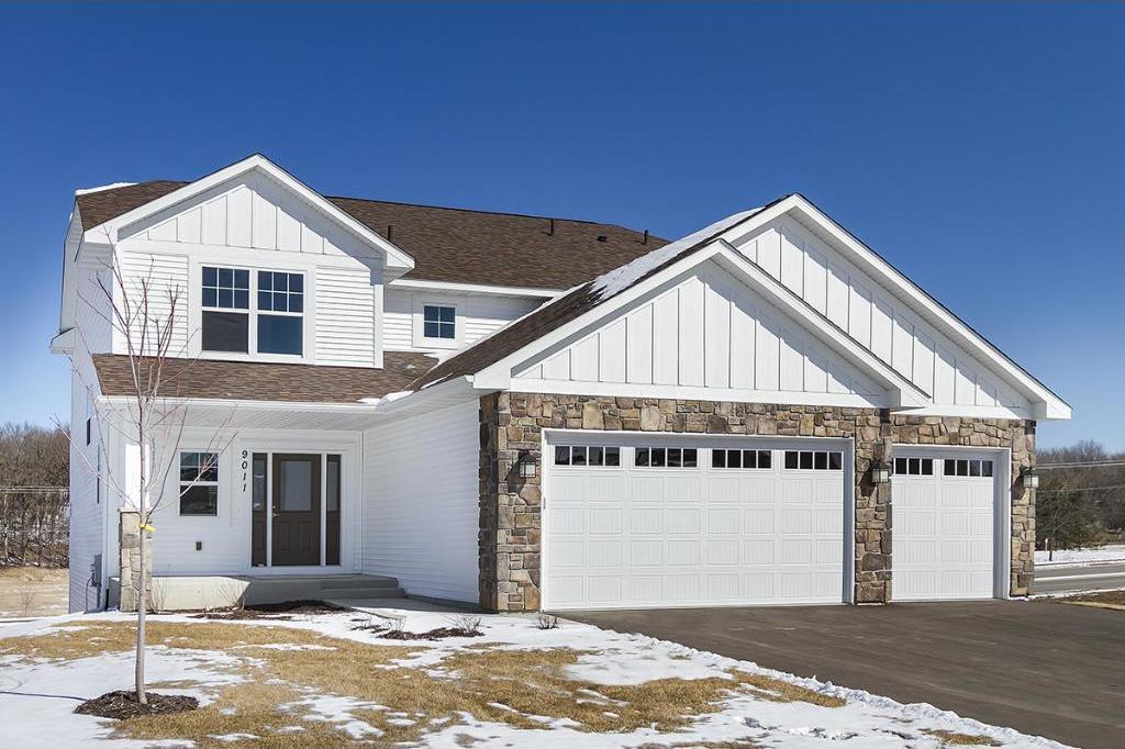 905 Ridgecrest Drive, Carver, MN 55315