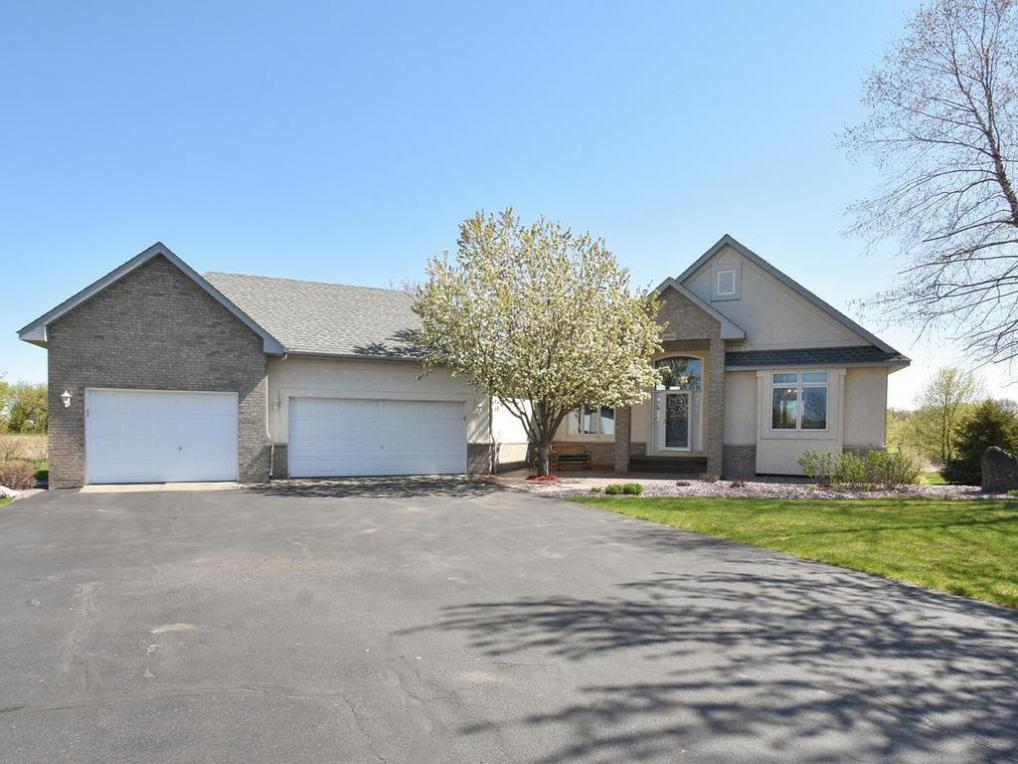 25600 Lakeview Circle, Rogers, MN 55374