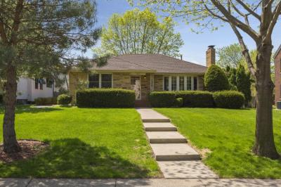 Photo of 1726 Pinehurst Avenue, Saint Paul, MN 55116