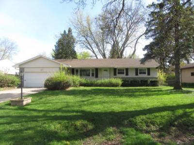 Photo of 422 E Eldridge Avenue, Maplewood, MN 55117