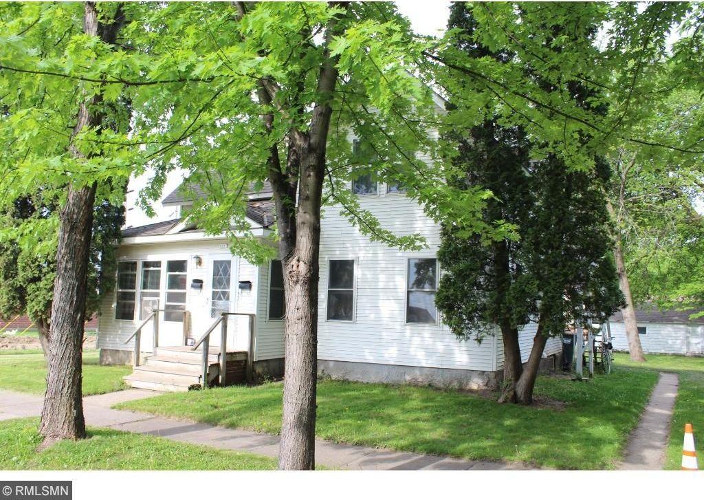 1207 N Desoto Avenue, Glencoe, MN 55336
