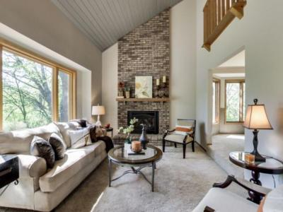 Photo of 3012 Valley View Road, Burnsville, MN 55306