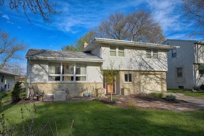Photo of 107 N 19th Avenue, South Saint Paul, MN 55075