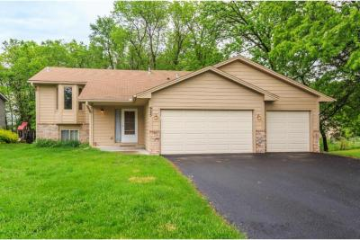 Photo of 925 SW 5th Avenue, Forest Lake, MN 55025