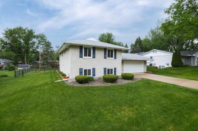 Photo of 7243 W Upper 139th Street, Apple Valley, MN 55124