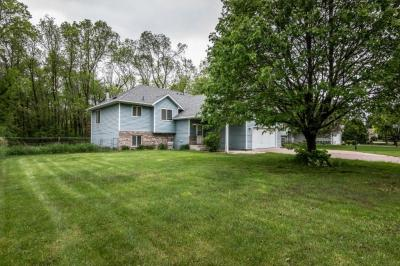 Photo of 404 SW 9th Street, Forest Lake, MN 55025