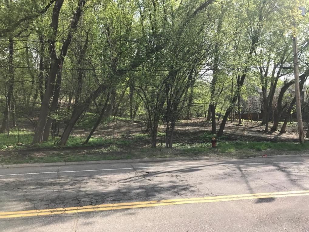 Edgcumbe Road, Saint Paul, MN 55116