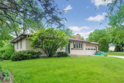Photo of 8424 S Kell Avenue, Bloomington, MN 55437