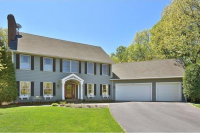Photo of 764 Lake Point Drive, Chanhassen, MN 55317