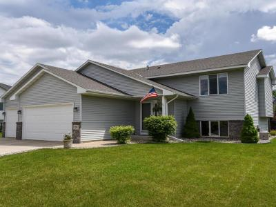 Photo of 729 Obrien Parkway, Belle Plaine, MN 56011