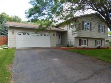 10401 S Nesbitt Avenue, Bloomington, MN 55437