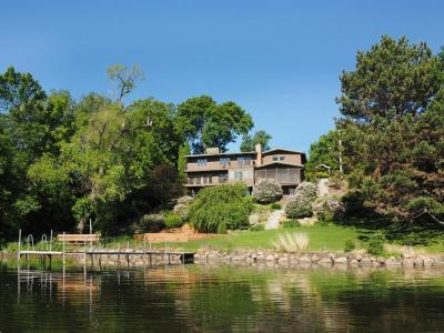 Photo of 1100 Angelo Drive, Golden Valley, MN 55422