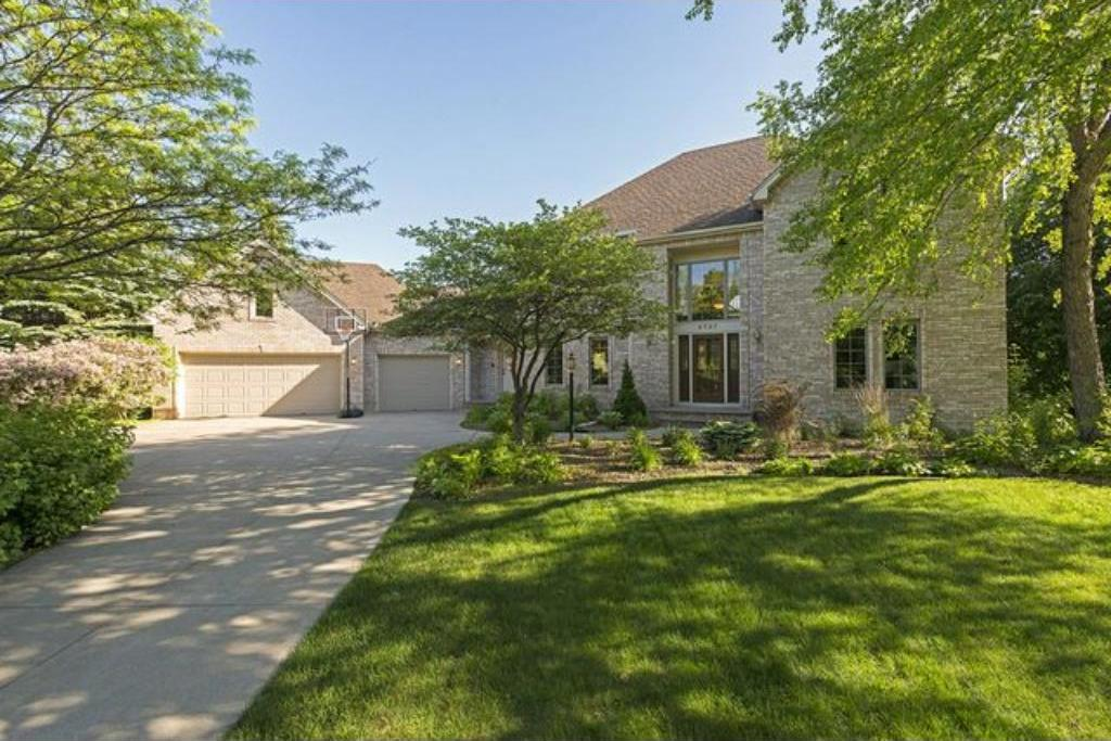 9737 Wellington Ridge, Woodbury, MN 55125