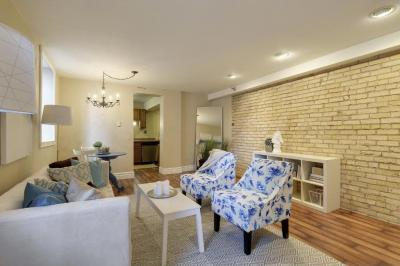 Photo of 2421 S Emerson Avenue #100, Minneapolis, MN 55405