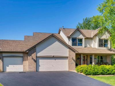 Photo of 6318 Cherokee Trail, Lino Lakes, MN 55038