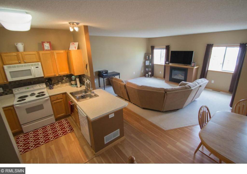 8992 Sawgrass Glen, Maple Grove, MN 55311