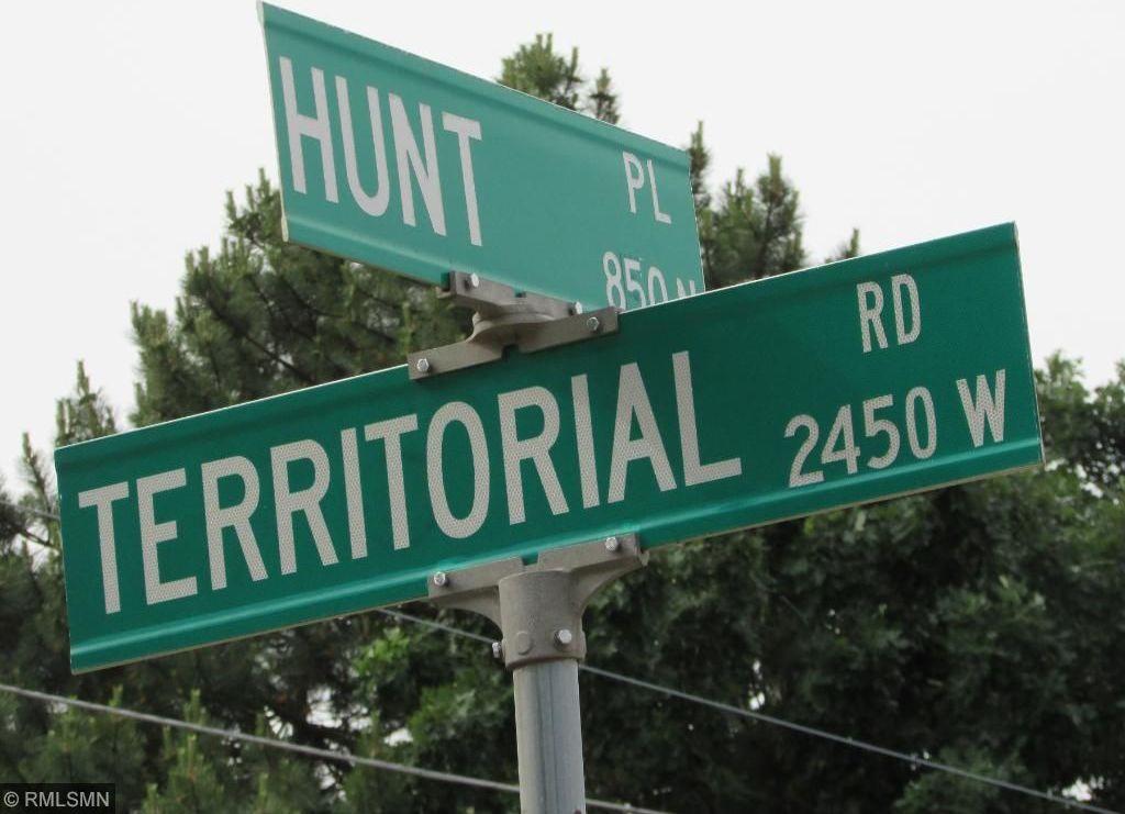 892 Hunt Place, Saint Paul, MN 55114