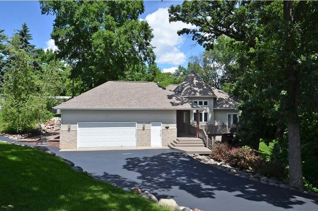 12500 N 18th Avenue, Plymouth, MN 55441