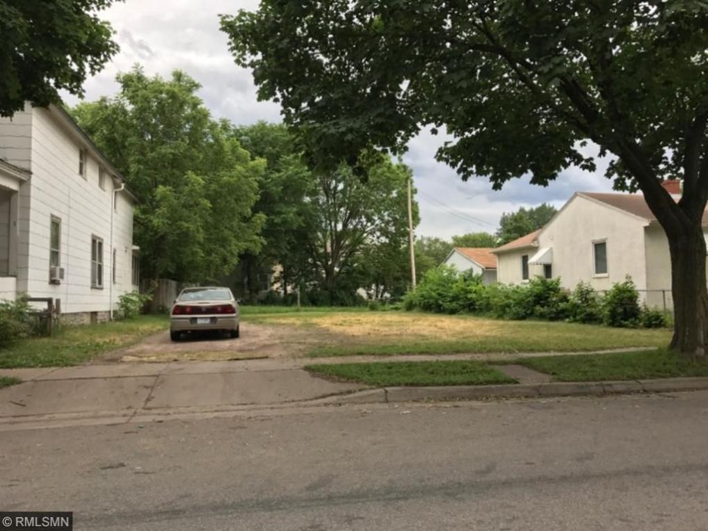 468 Case Avenue, Saint Paul, MN 55130