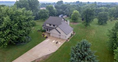 Photo of 9101 W 247th Street, Lakeville, MN 55044