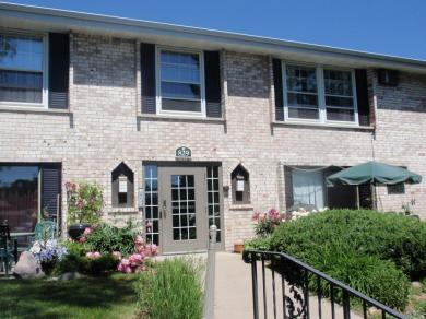 829 Old Settlers Trail #7, Hopkins, MN 55343