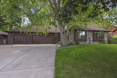 460 Oakhill Road, Chaska, MN 55318