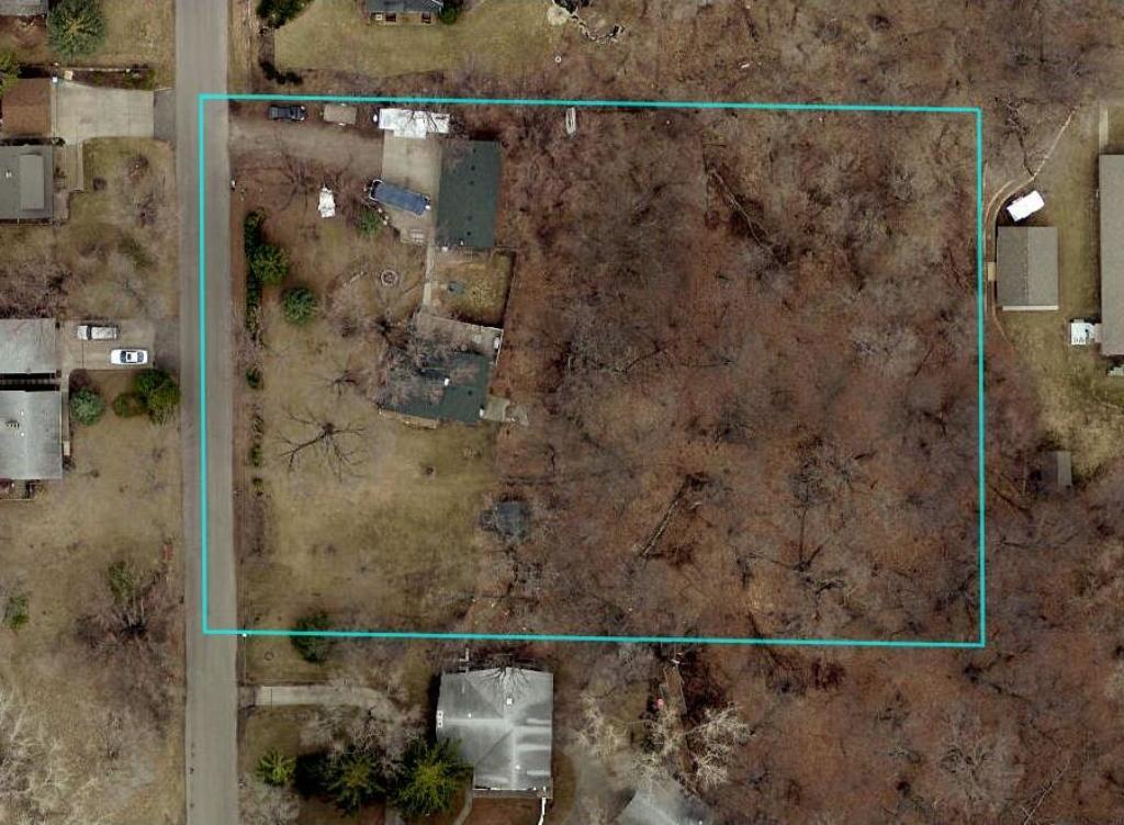 1740 N Oakview Lane, Plymouth, MN 55441