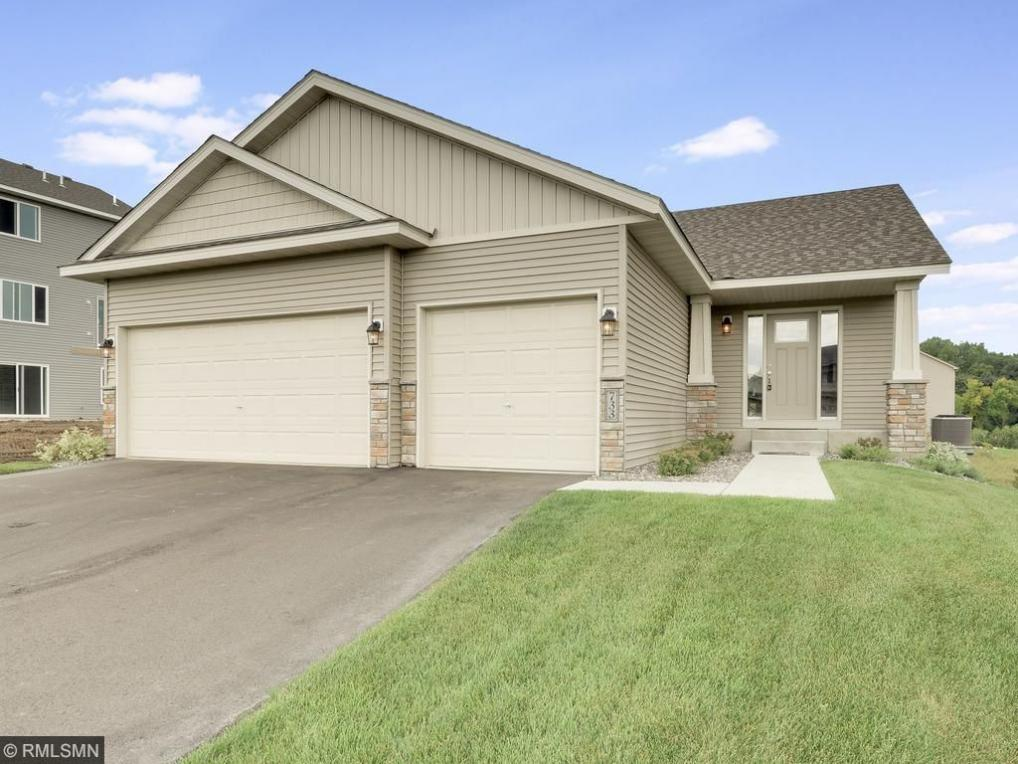 901 Hickory Curve, Watertown, MN 55388