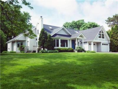Photo of 1431 Spring Valley Road, Golden Valley, MN 55422